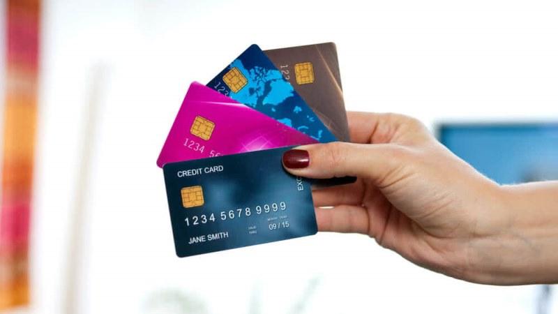 Inilah Alasan Mengapa Anda Harus Memiliki Kartu Kredit